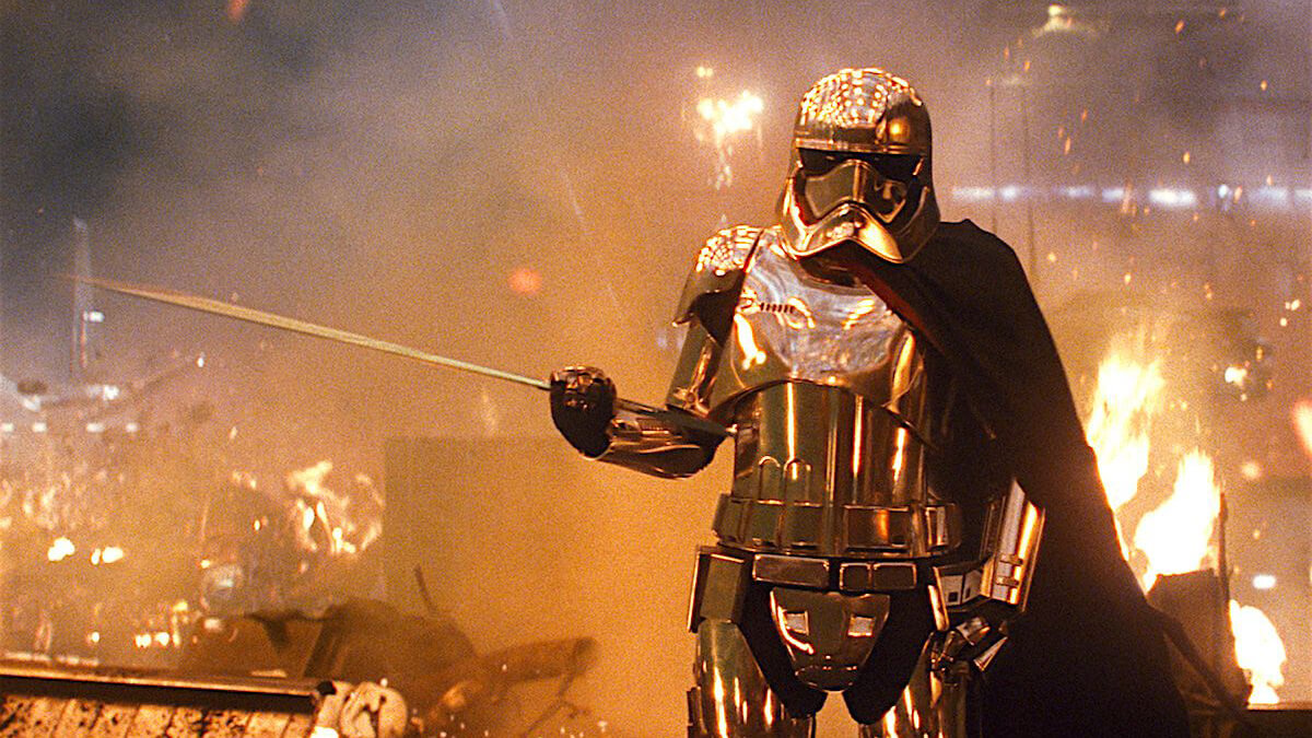 Captain Phasma leading her troops