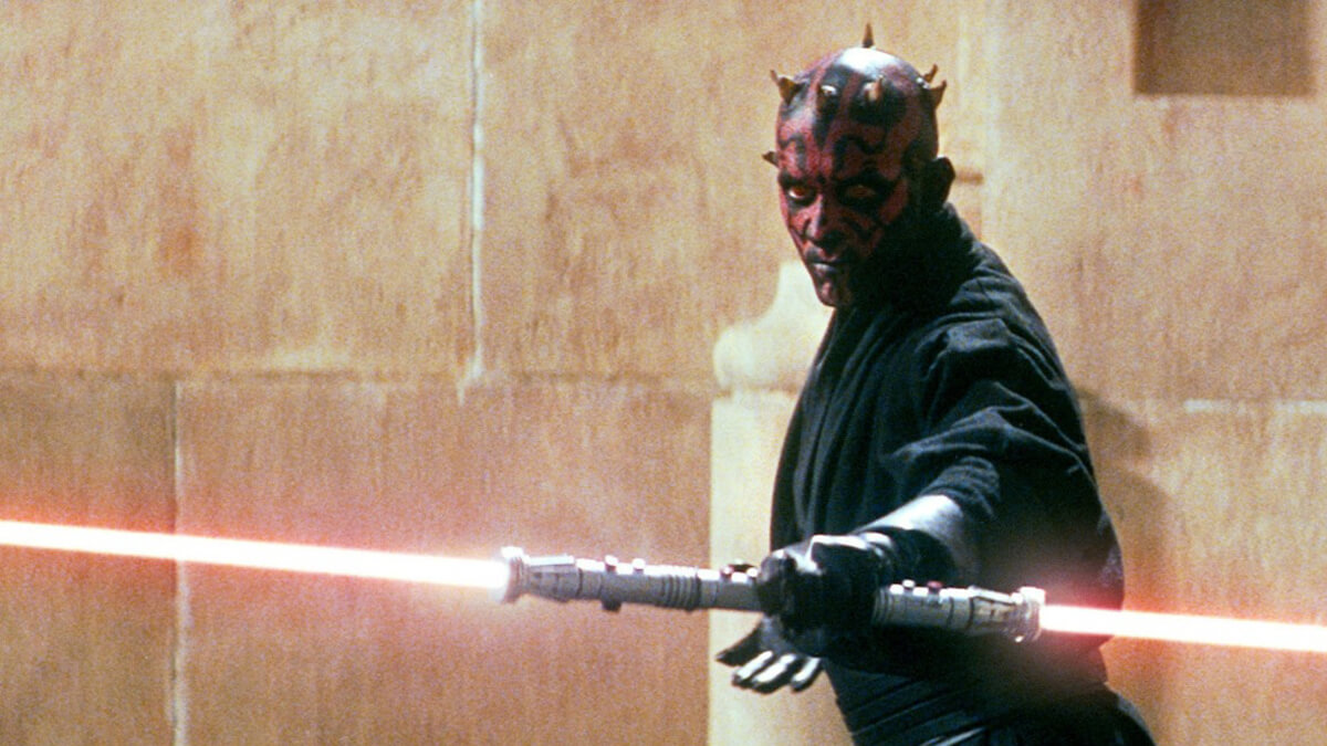 Darth Maul with his lightsaber in battle