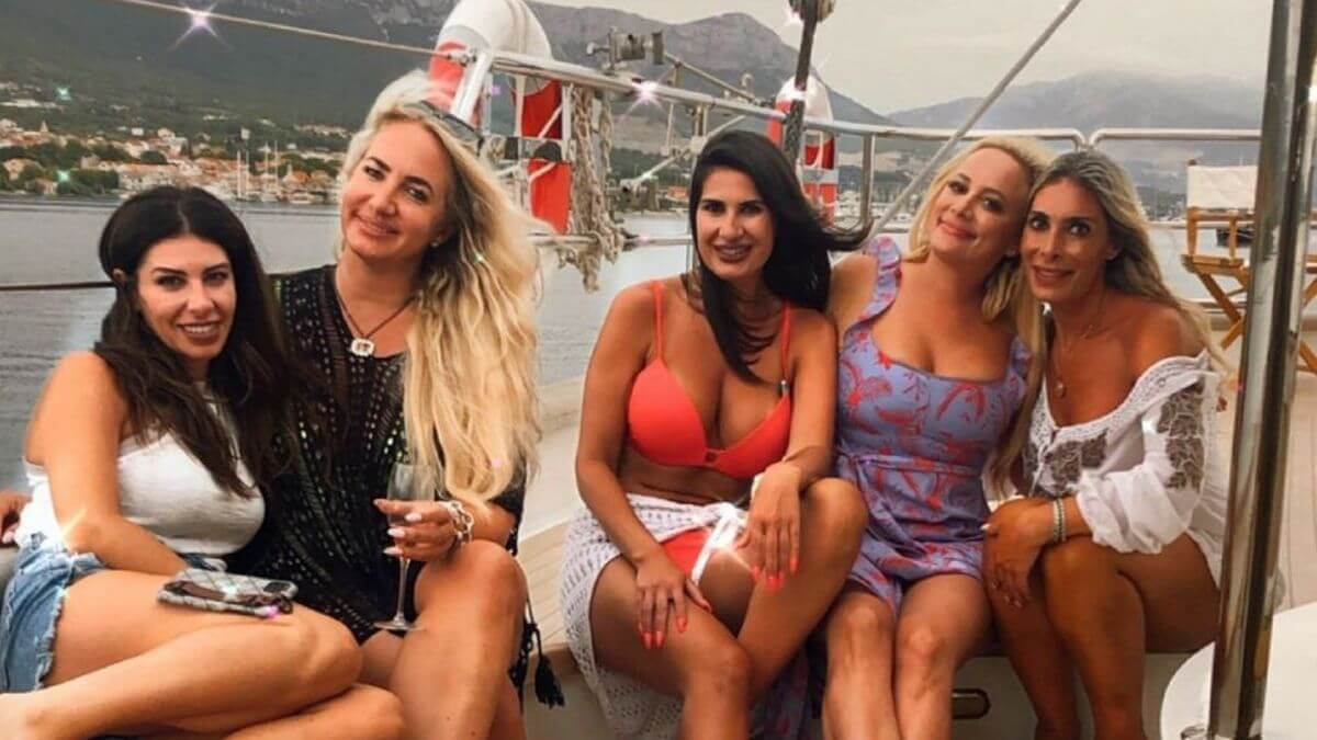 The Bachelor alum Erica Rose appears on Below Deck Sailing Yacht.