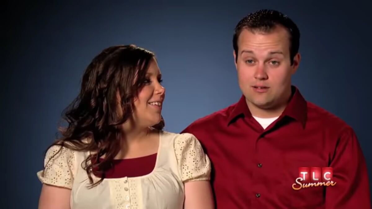 Anna and Josh in a 19 Kids and Counting confessional.