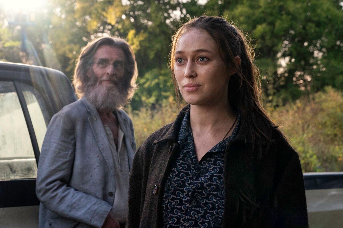 John Glover as Teddy and Alycia Debnam-Carey as Alicia Clark, as seen in Episode 14of AMC's Fear the Walking Dead Season 6