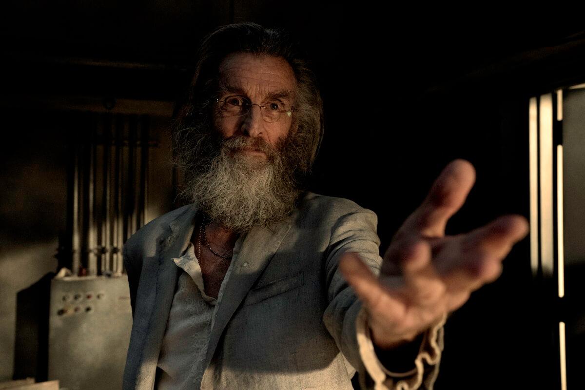 John Glover as Teddy, as seen in Episode 11 of AMC's Fear the Walking Dead Season 6