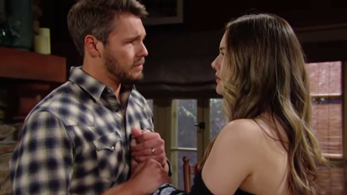Scott Clifton and Annika Noelle as Liam and Hope.