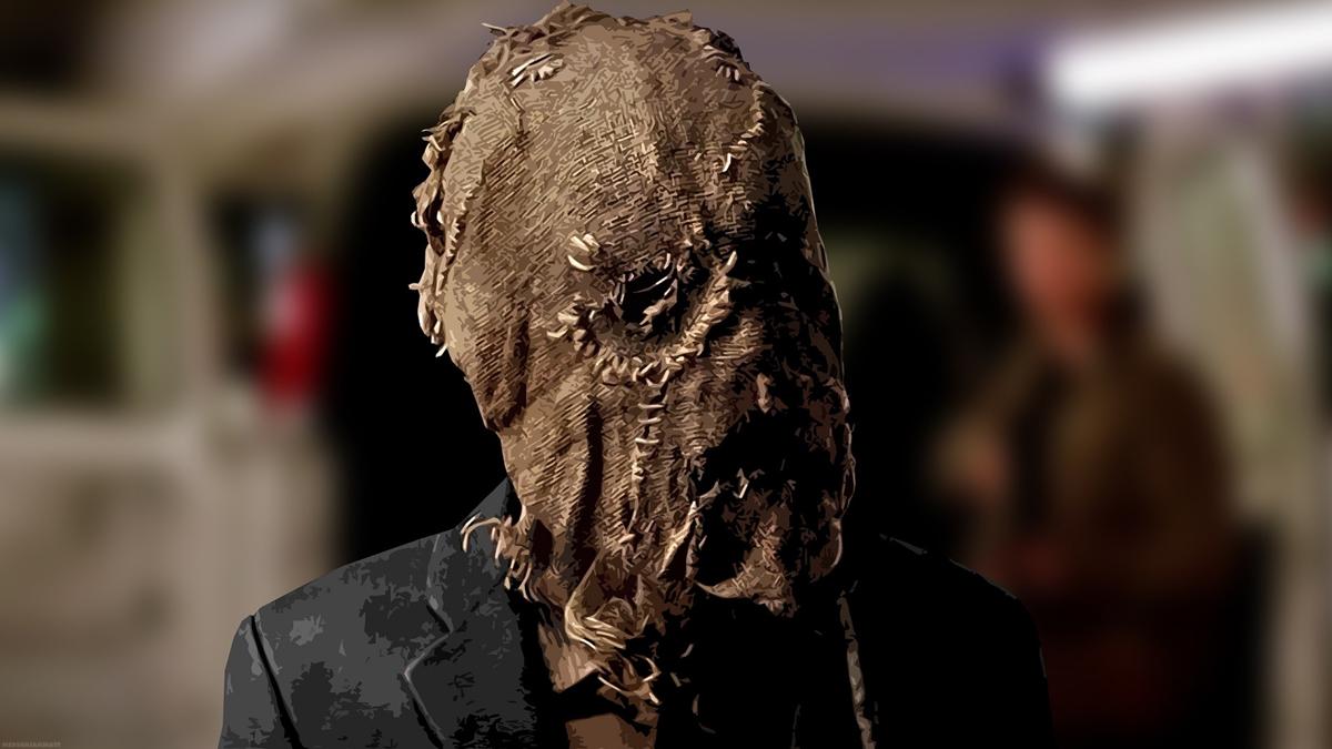 Scarecrow in his mask in Batman Begins