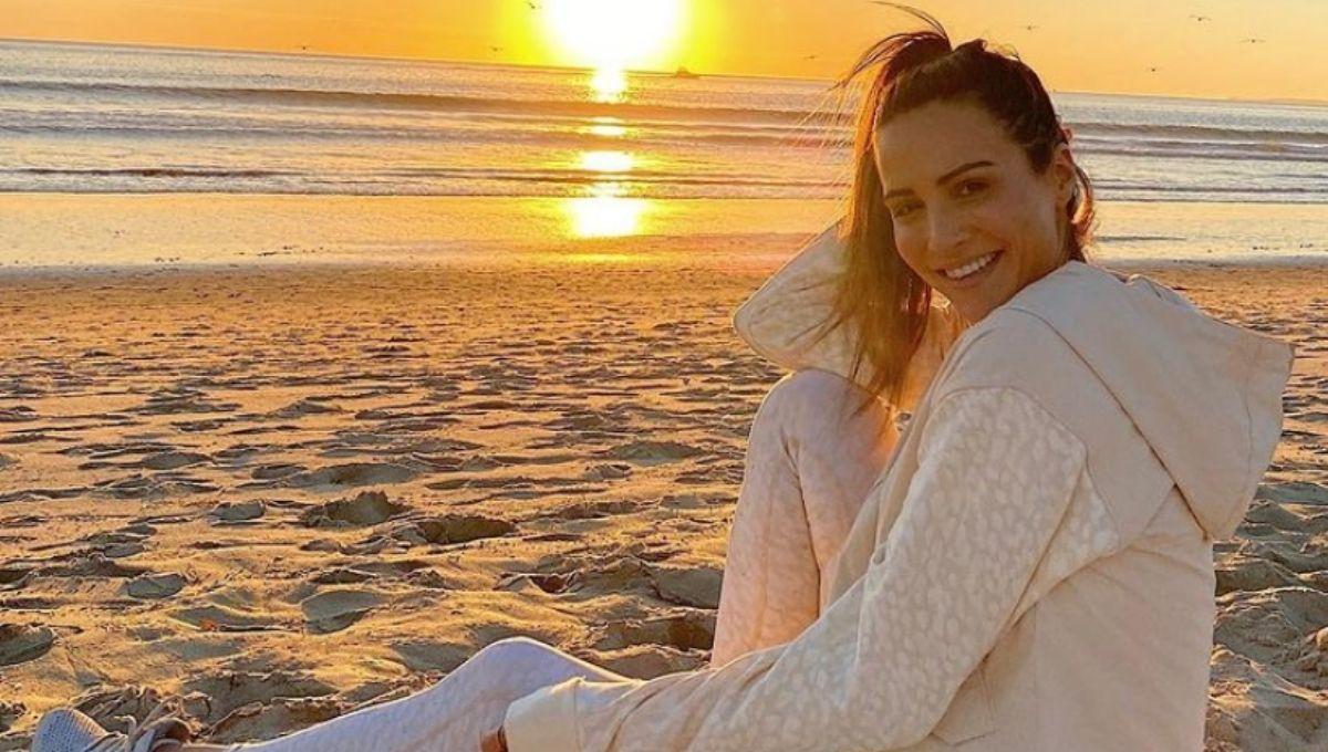 Andi Dorfman on the beach
