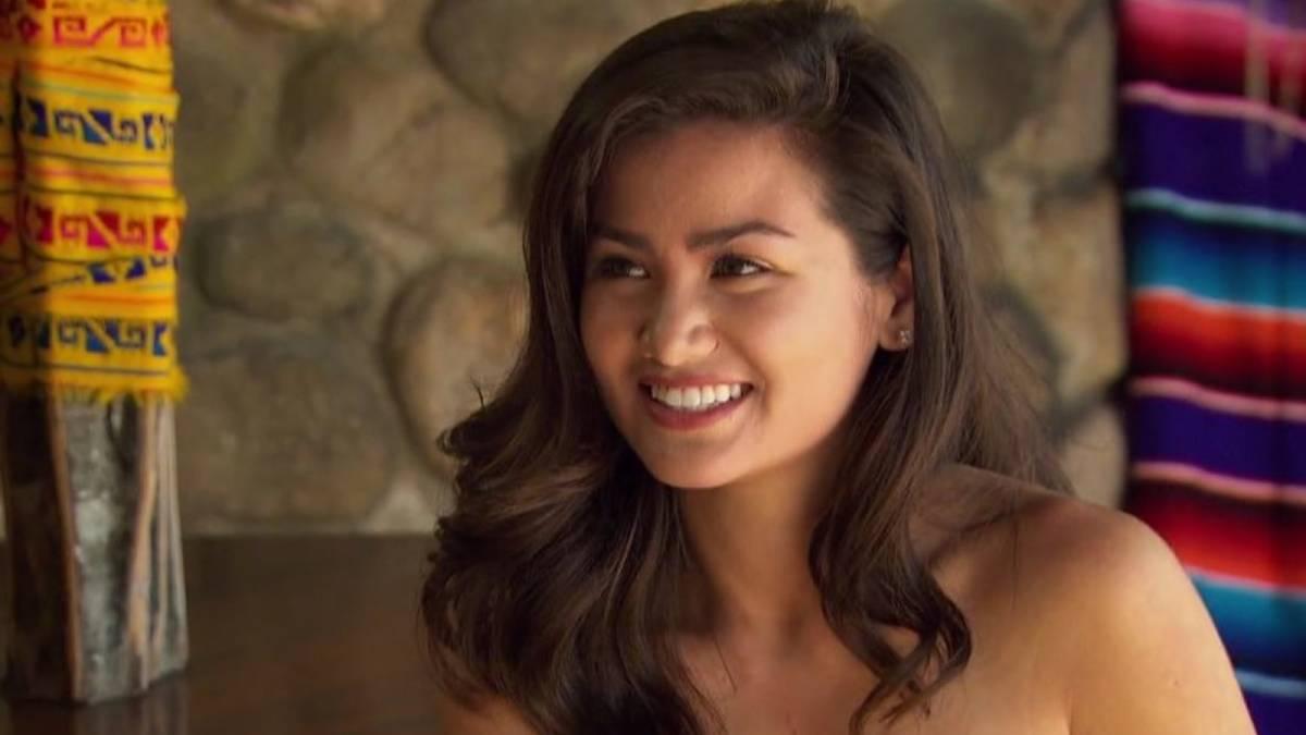 Caila Quinn films for Bachelor in Paradise