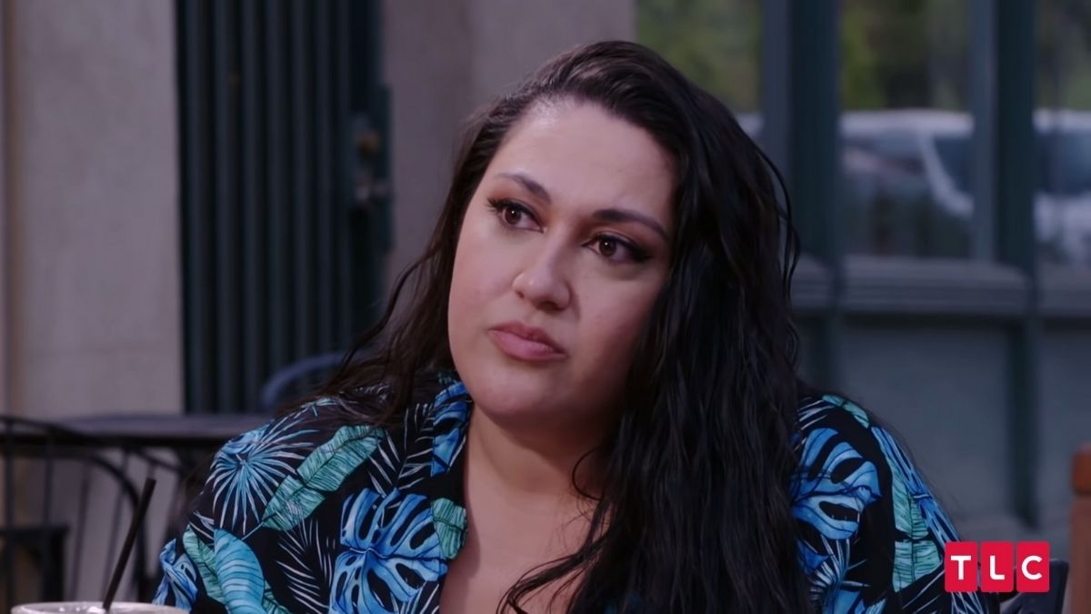 Kalani is surprised that her her dad wants her to stay married to Asuelu