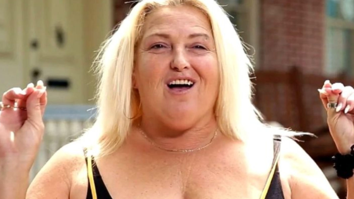 90 Day Fiance Angela Deem talking to the cameras.