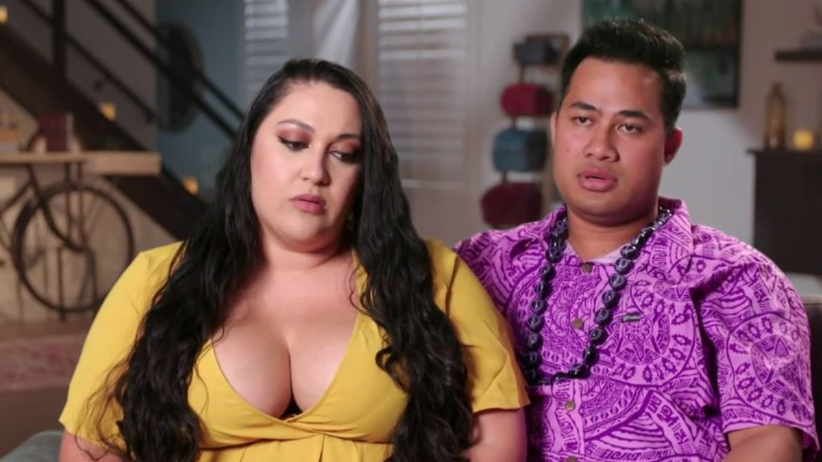 Asuelu and Kalani talking about their troubled marriage.