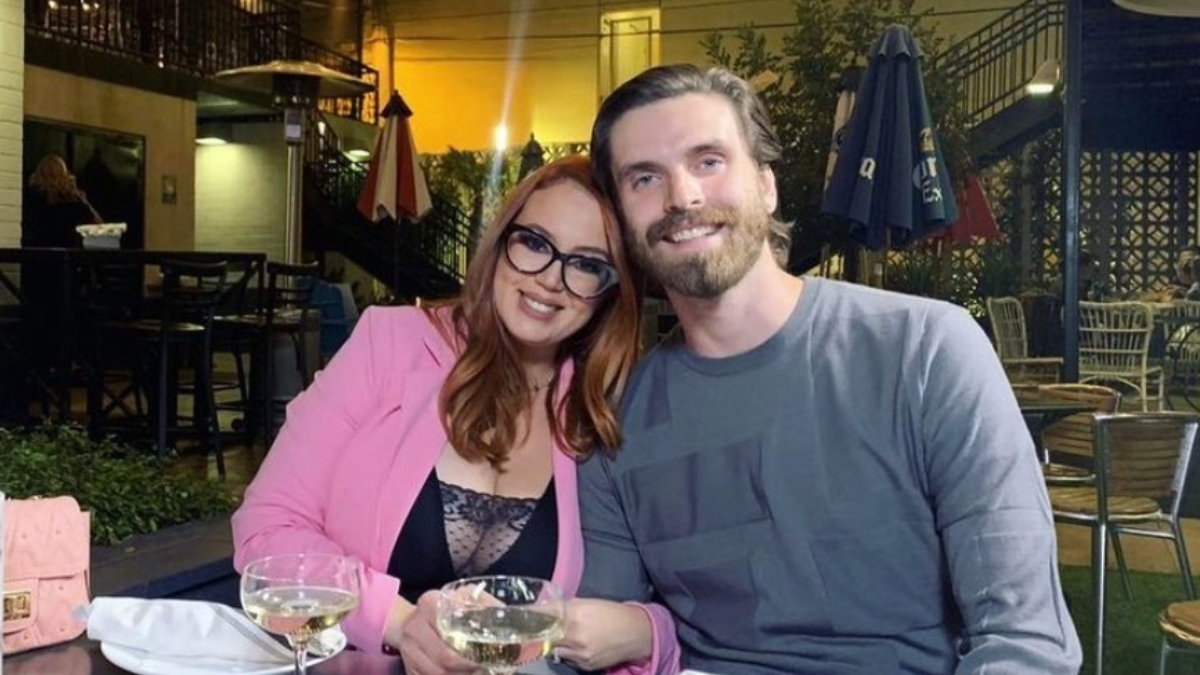 Jess and Brian from 90 Day Fiance pose together.
