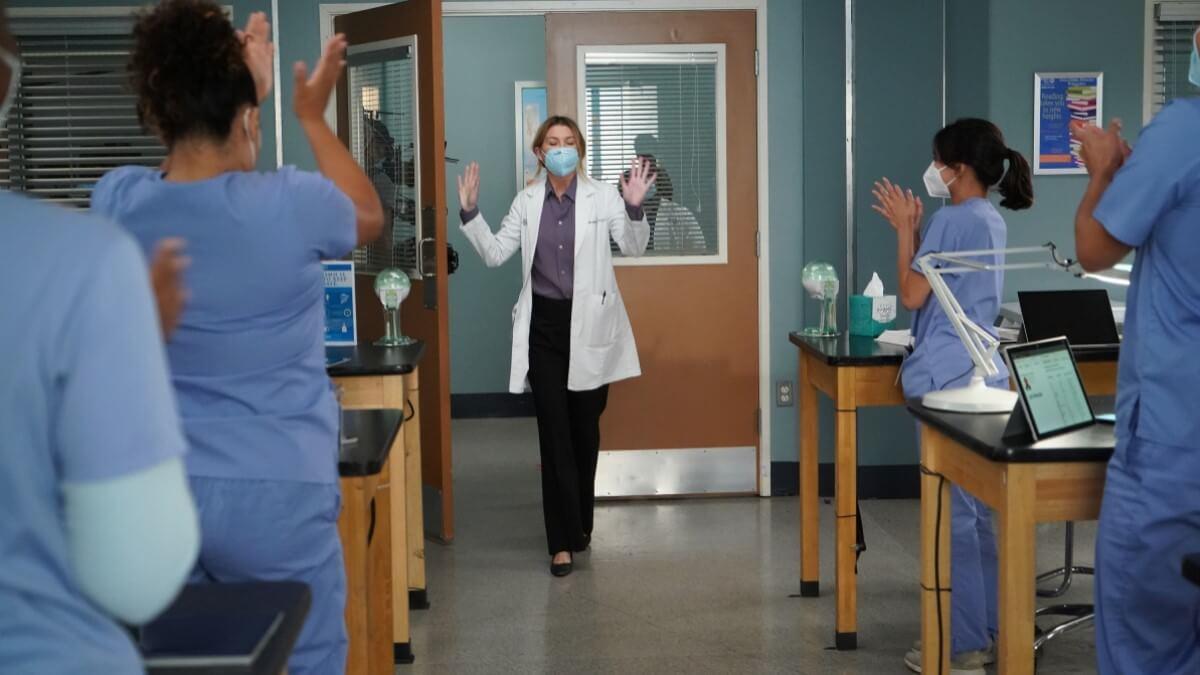 Meredith Returns To Grey's