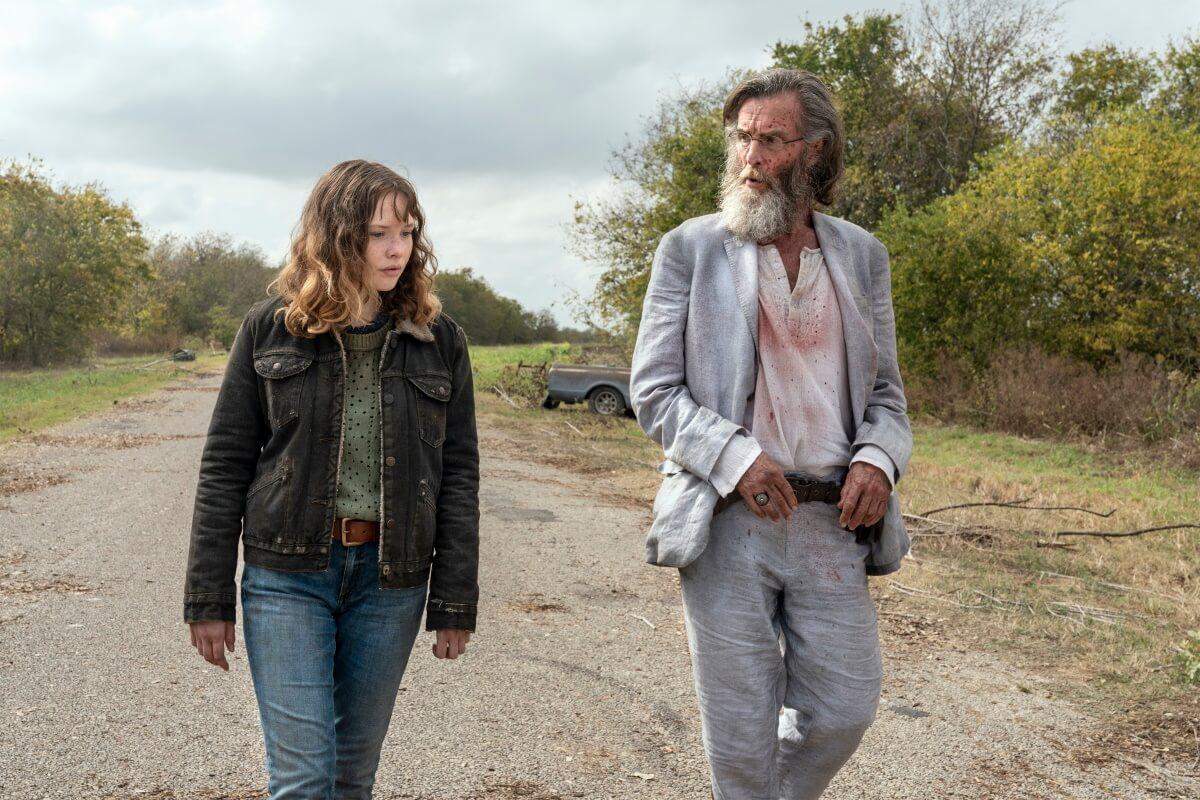 Zoe Colletti as Dakota and John Glover as Teddy, as seen in Episode 14 of AMC's Fear the Walking Dead Season 6