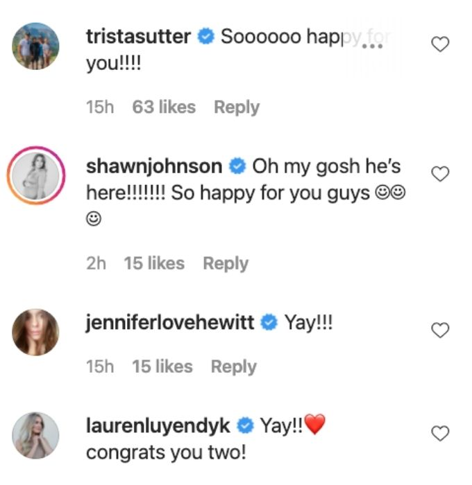 Fans show love to Lauren and Chirs.