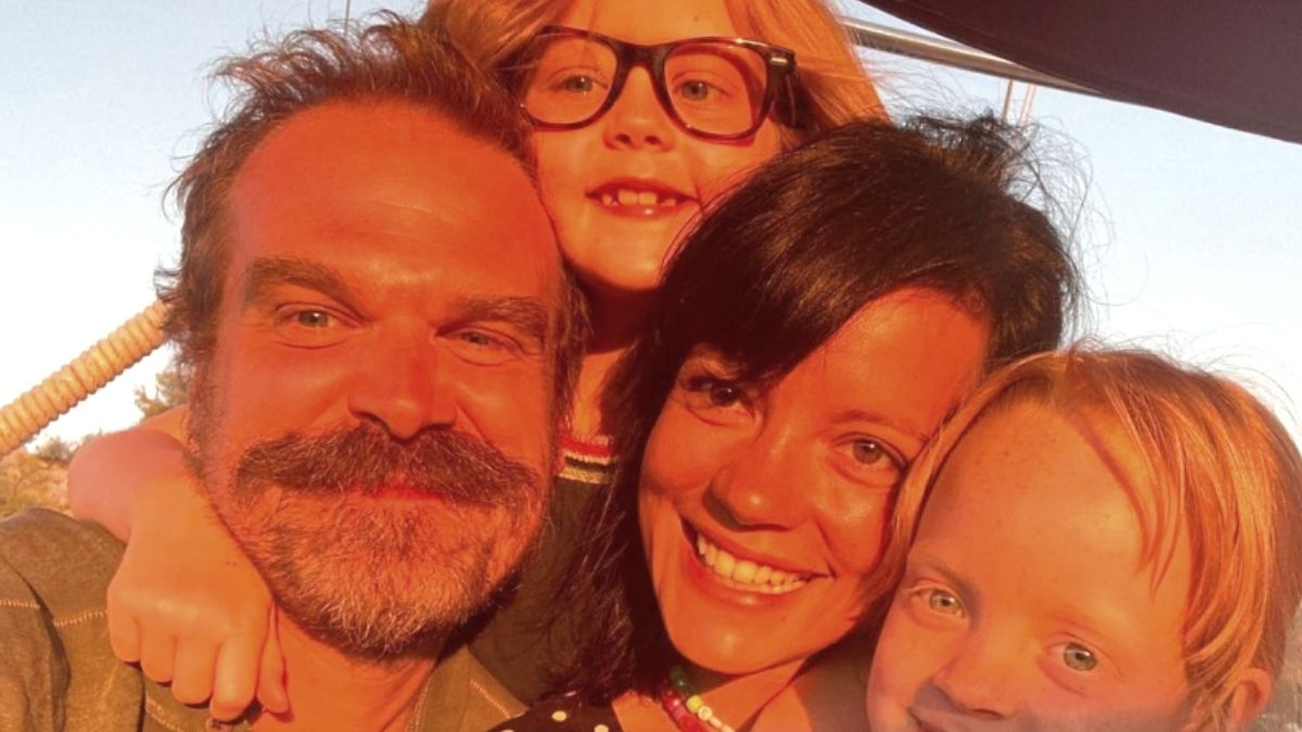 Image of David Harbour and Lily Allen.