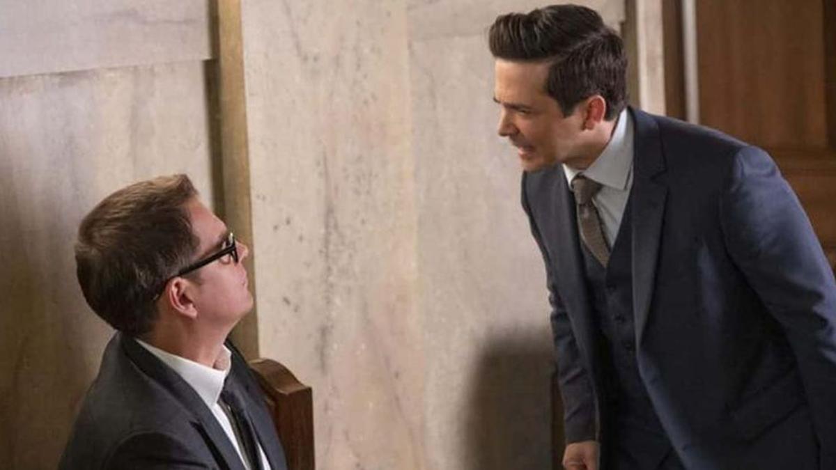 Freddy Rodriguez as Benny talking to Bull.