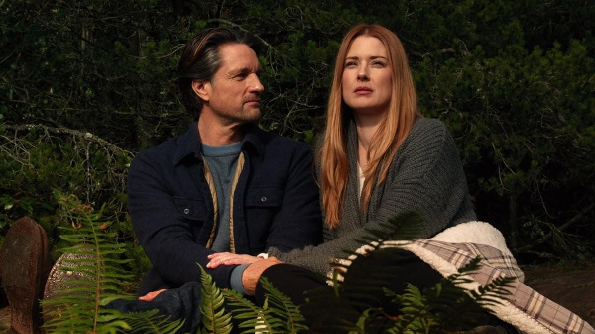 Martin Henderson and Alexandra Breckenridge on the set of Virgin River
