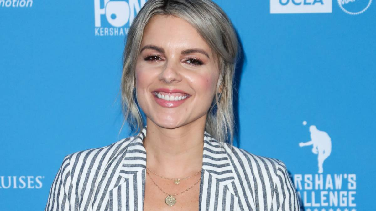 Ali Fedotowsky walks the red carpet