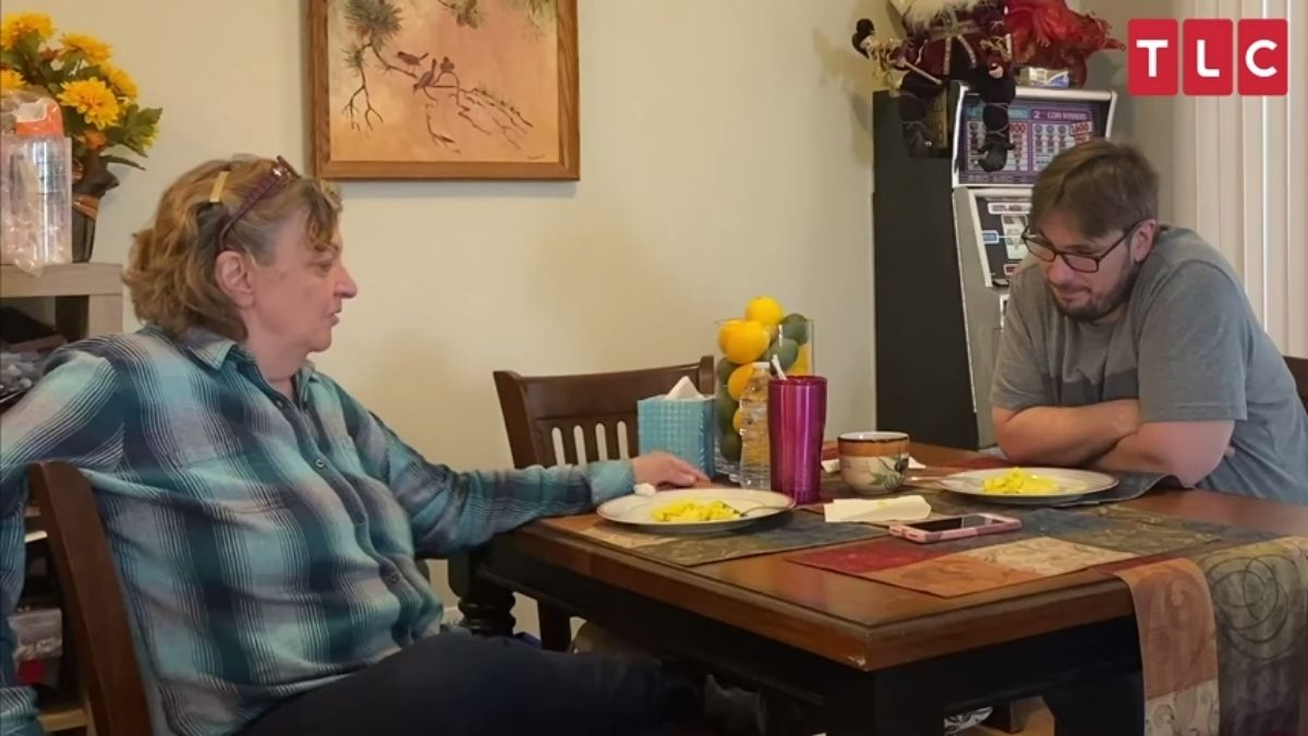 Colt Johnson gives mom Debbie his blessing to move out on 90 Day Diaries