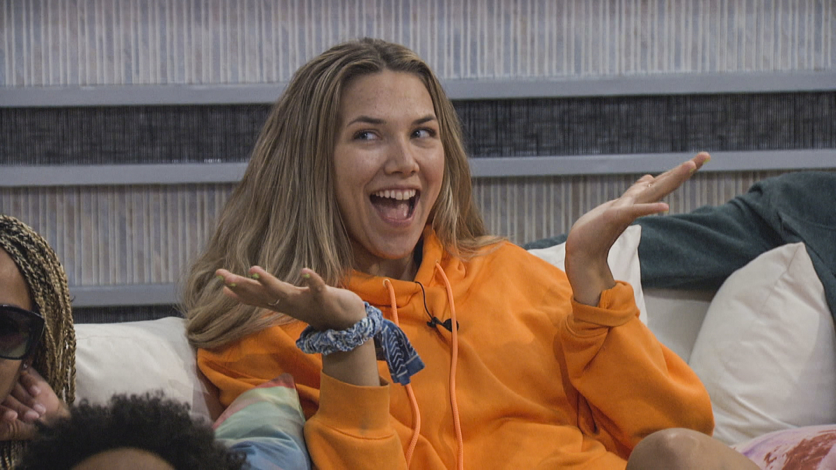 Claire Playing BB23